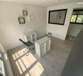 BUREAU 9,8 m²